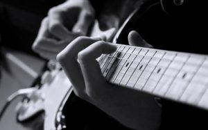 تقویت انگشت دست برای گیتار